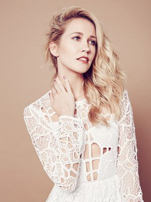 At Home With Pitch Perfect Star Anna Camp