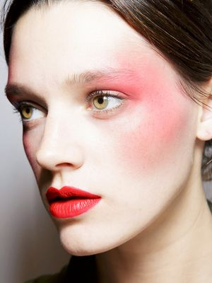 '80s Makeup Is Back—Here's Proof