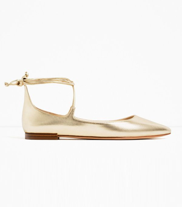 Flat bridal shoes: Zara