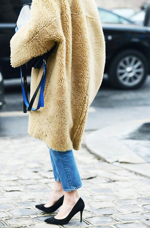 This trend looks especially amazingwith classic blue jeans, which is a good thing because we own a ton of 'em.