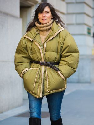 A French Trick for Looking Slim in a Puffer Jacket