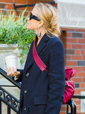 The Cool Way to Wear Your Bag, According to an Olsen