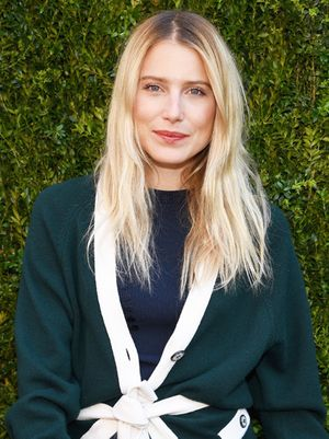 7 Perfectly Undone Beauty Tips We Learned From Dree Hemingway