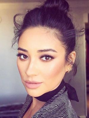 Alert: Shay Mitchell and Smashbox Just Released 7 New Palettes