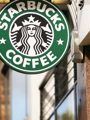 Nutritionists Agree: This Is the Healthiest Holiday Drink at Starbucks