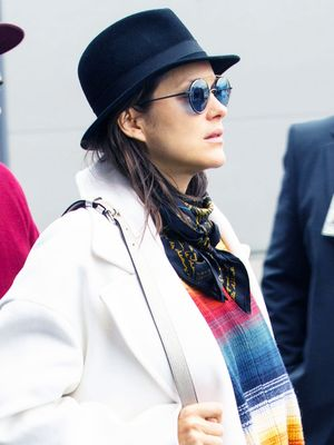Marion Cotillard Wore the Perfect Holiday Travel Outfit—Ugg Boots Included