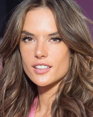 Alessandra, Irina and Elsa Share the Luxe Face Mask They Use IRL