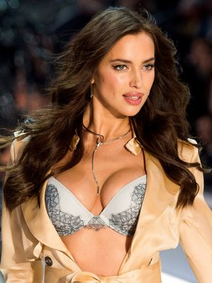 Model Irina Shayk Debuts Baby Bump on the Victoria's Secret Fashion Show Runway