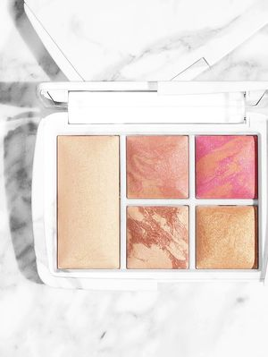 "The Makeup Palette That's ""Selling Like Hotcakes,"" According to Sephora Insiders"