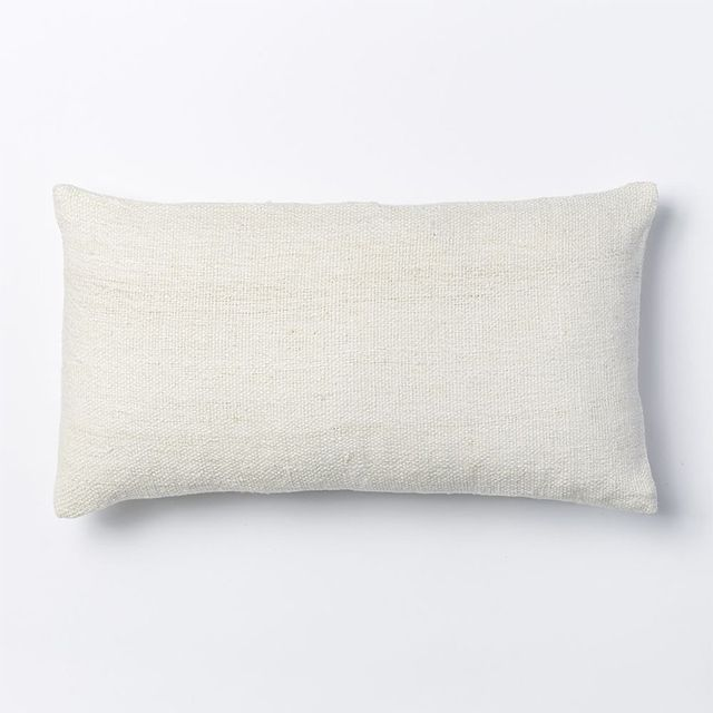 Why Are Throw Pillows So Expensive : Decor Formulas That Always Look Expensive MyDomaine AU