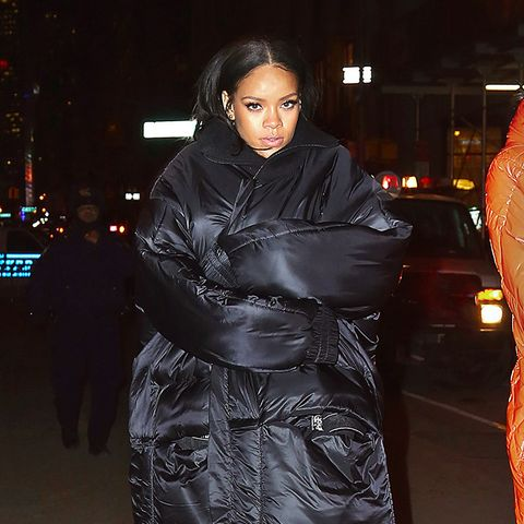 Rihanna puffer jacket: black