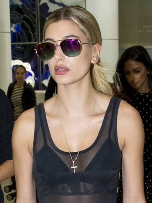 Hailey Baldwin's Travel Outfit Includes at Least 2 Controversial Trends