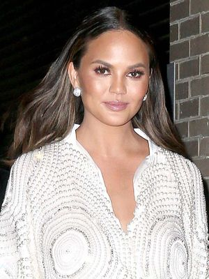 Chrissy Teigen's Holiday Look Is Perfect for Girls Who Don't Spill
