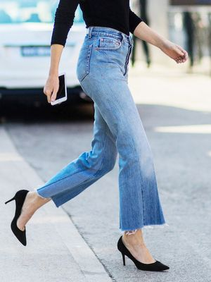 The Coolest Raw-Hem Jeans ofthe Moment