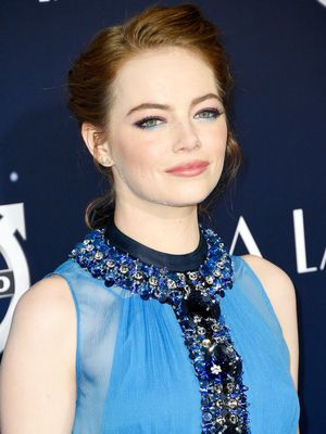"Emma Stone Explains Why Social Media Makes Her ""Crazy"""
