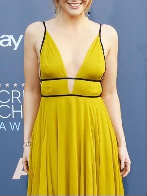 Why This Star Wore a $240 Topshop Dress to the Critics' Choice Awards