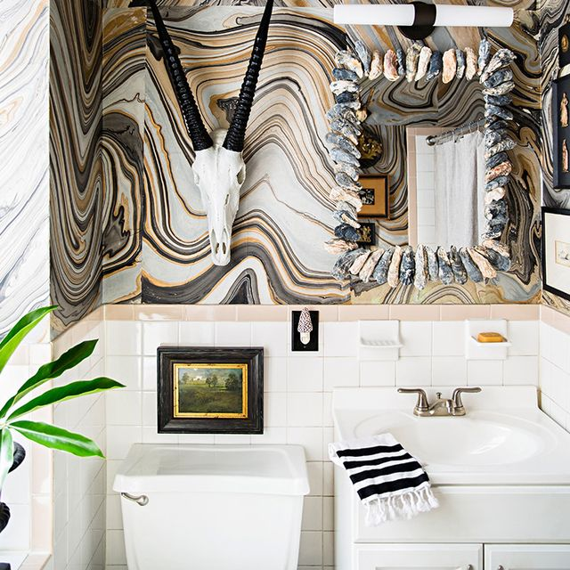 These Are the Chicest Tiny Bathrooms We've Ever Seen