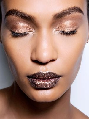 7 New Year's Eve Makeup Ideas You Can Do in 5 Minutes or Less