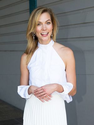 Proof That Karlie Kloss Can Pull Off Adidas Sneakers With Anything