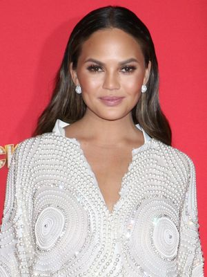 Chrissy Teigen Just Gave a Fan the Clothes Off Her Back