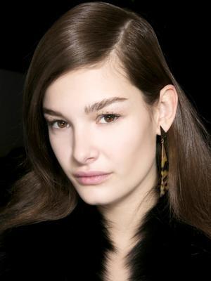 The $8 Makeup Hack Your NYE Beauty Look Needs