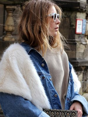 A Casual, Cool Way to Pull Off a Faux-Fur Stole