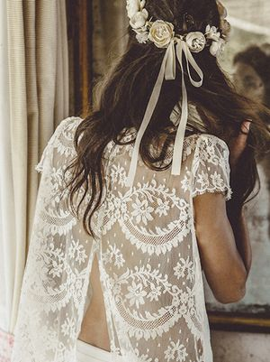The Wedding Dress Detail That Makes for the Best Photos