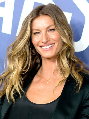 Proof That Gisele Bündchen Could Launch a Singing Career If She Wanted To