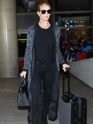 "Rosie Huntington-Whiteley Explains Why She's Always ""Overdressed"" at the Airport"
