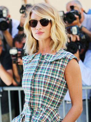 12 Rosie Huntington-Whiteley Outfits You'll Want to Copy Straight Away
