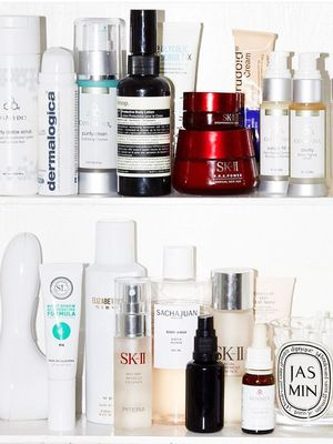 The Secret to a Pristine Medicine Cabinet, by a Professional Organiser