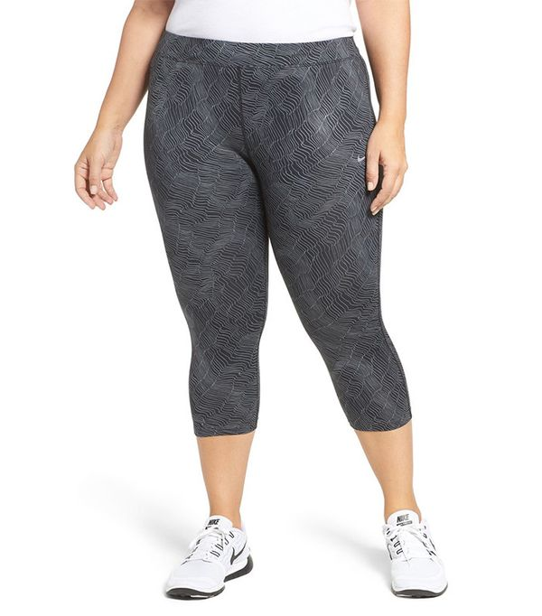 Nike Power Essential Crop Running Tights (Plus Size)