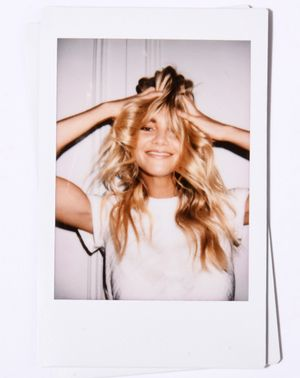 Elyse Taylor Told Us Her Secrets for Glowy Skin, Hydrated Hair, and More