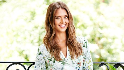 How to Achieve Your Career Goals, According to Jessica Alba