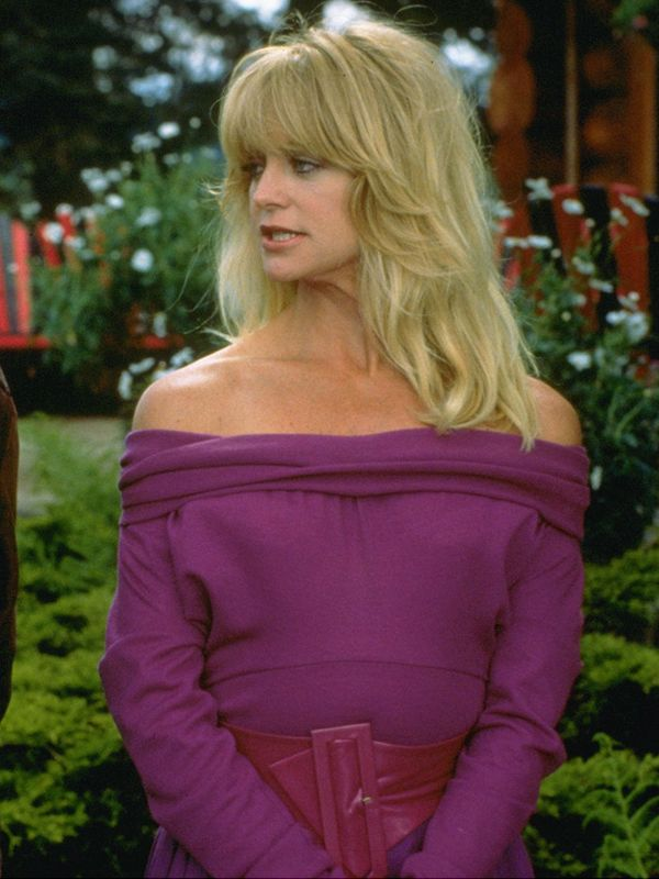Eighties fashion: Goldie Hawn wearing an off-the-shoulder top