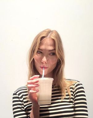 The Best Way to Banish Sugar Cravings, According to a Supermodel