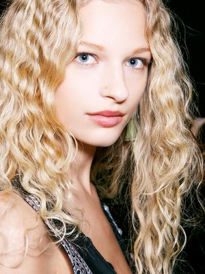 5 Genius Styling Tricks Top Hairdressers Know (That You Don't)