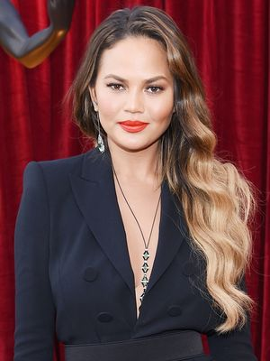 The $9 Product That Gave Chrissy Teigen Her Red Carpet Waves