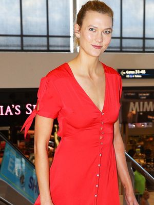 Karlie Kloss Can Seriously Pull Off Sneakers With Anything
