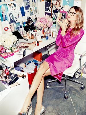 Confident Women Own This Type of Perfume—Do You?