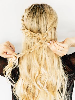 Valentine's Day Hair Ideas That Are Low-Key Amazing