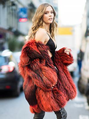 Model Josephine Skriver Breaks Down Her Date-Night Beauty Routine