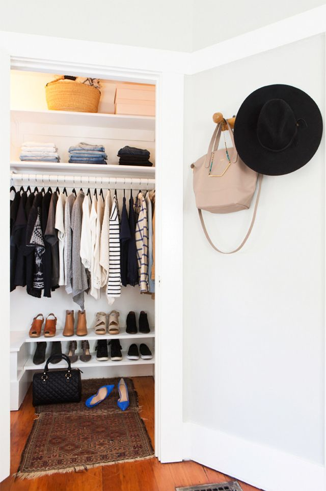 How to actually fit all your clothes in a tiny closet whowhatwear - Small closet space minimalist ...