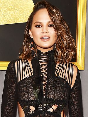 Under $9: The Best Drugstore Beauty Products Used at the Grammy Awards