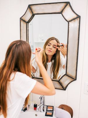 The 6 Best Lighted Makeup Mirrors for Flawless Foundation Nearly Every Time