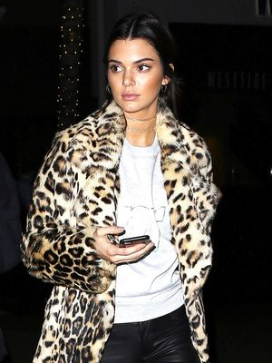 Kendall Jenner Got the Memo on the Year's Biggest Handbag Trend