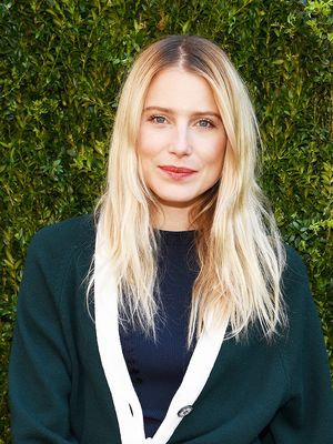 Meet Smoky Blonde, the Cool-Girl Hair Colour That Looks Better as It Grows Out