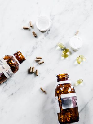 A Doctor Shares the Best (and Worst) Supplements for a Healthy Thyroid
