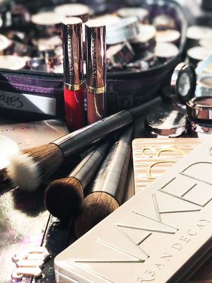 5 Genius Hacks an Urban Decay Makeup Artist Wants You to Know