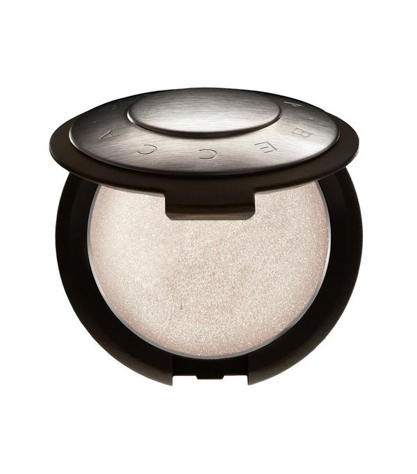 Best highlighter makeup: Becca Shimmering Skin Perfector Poured